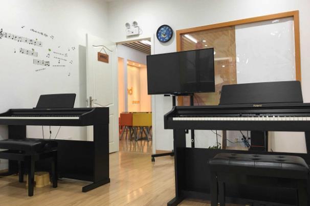 环亚枫叶艺术教育钢琴教室